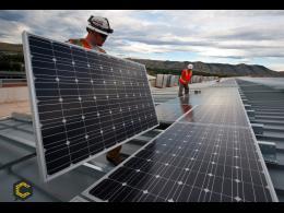 Paneles de energía en casas y edificios