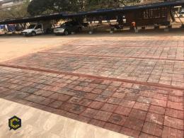 La industria moderna crea asfalto con plástico: nuevas formas de construcción