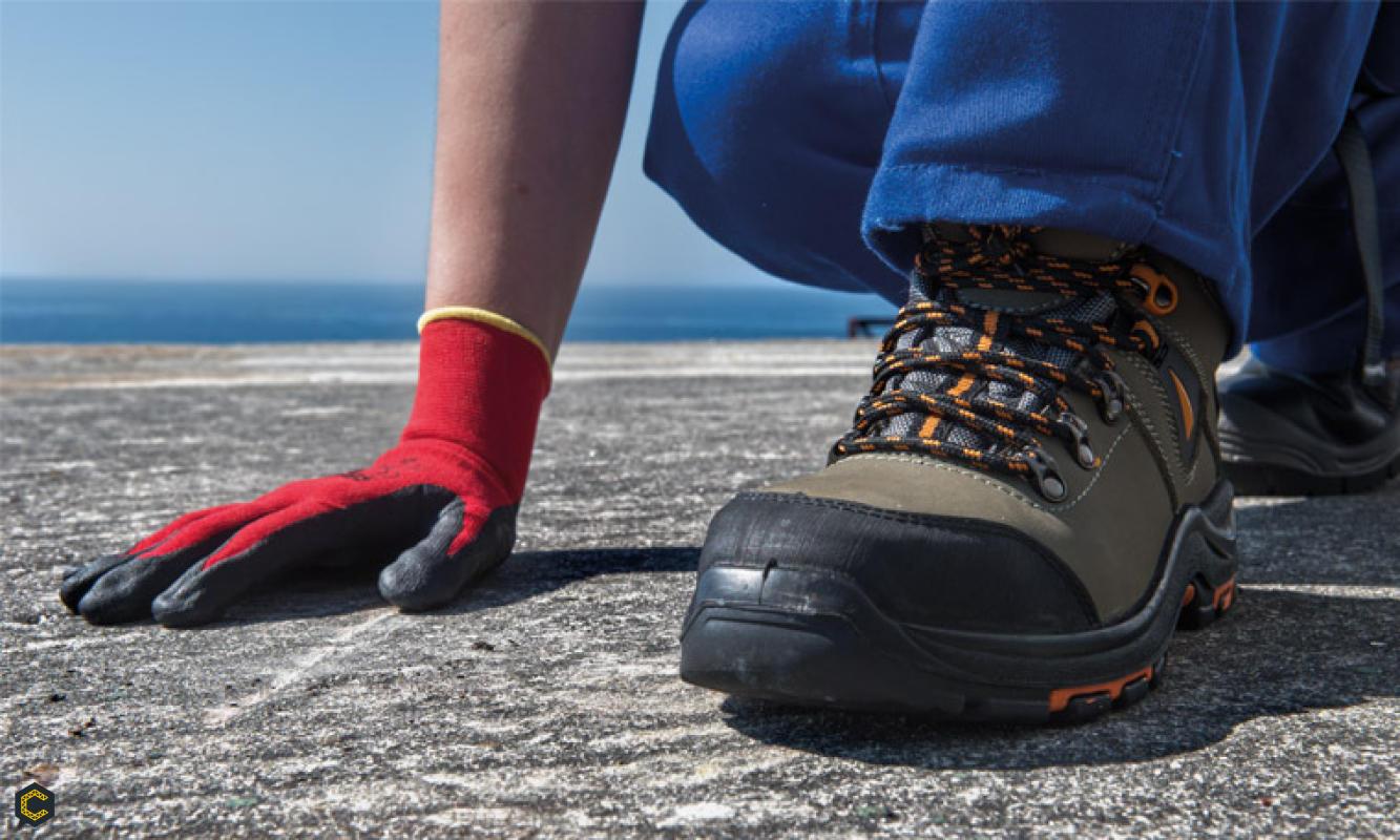 Para proteger los pies, este es el calzado que necesita el constructor