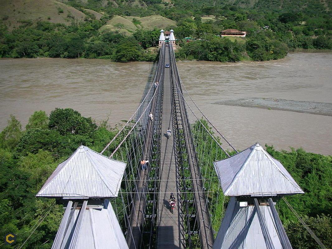El puente de Occidente y la historia de un símbolo colombiano