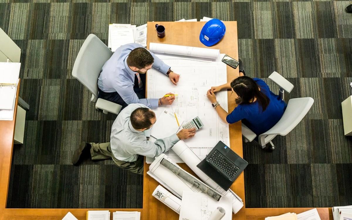 ¿su proyecto necesita proveedores, profesionales, maquinaria y más?  aquí encontrará todo lo que necesita