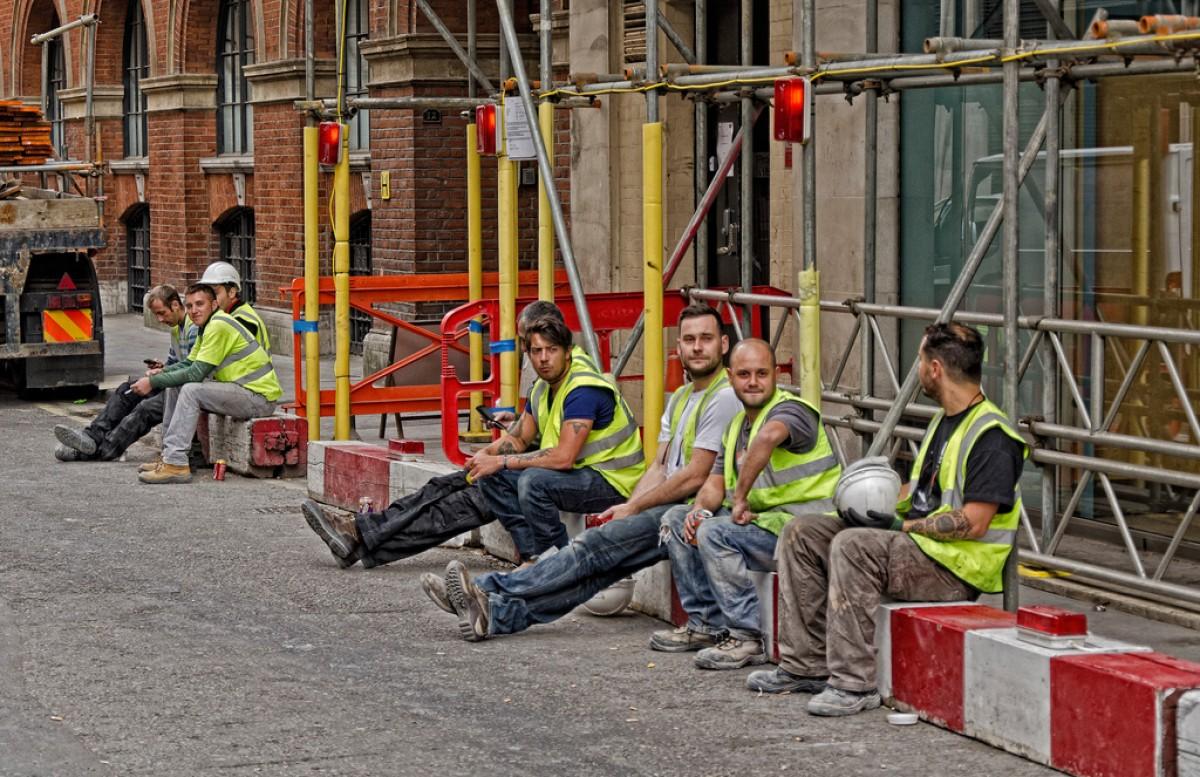 ¿Cómo calcular las horas hombre en un proyecto de construcción?