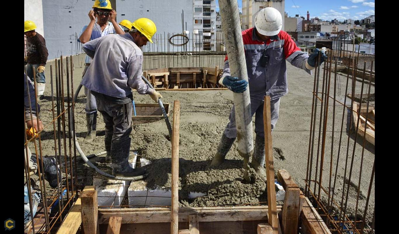 Se solicita ayudantes en construcción URGENTE