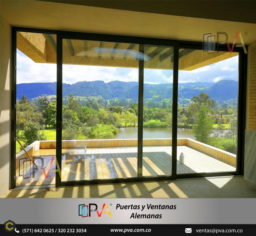 Las ventanas de PVC poseen una larga vida útil, además ni se agrietan ni se oxidan