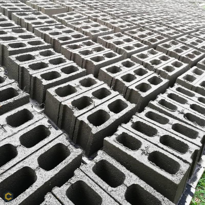 Venta de bloques de cemento 10,12,15,20. Somos fabricantes directos🧱